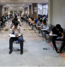 داوطلبان کنکور درس بخوانند و نگران نباشند